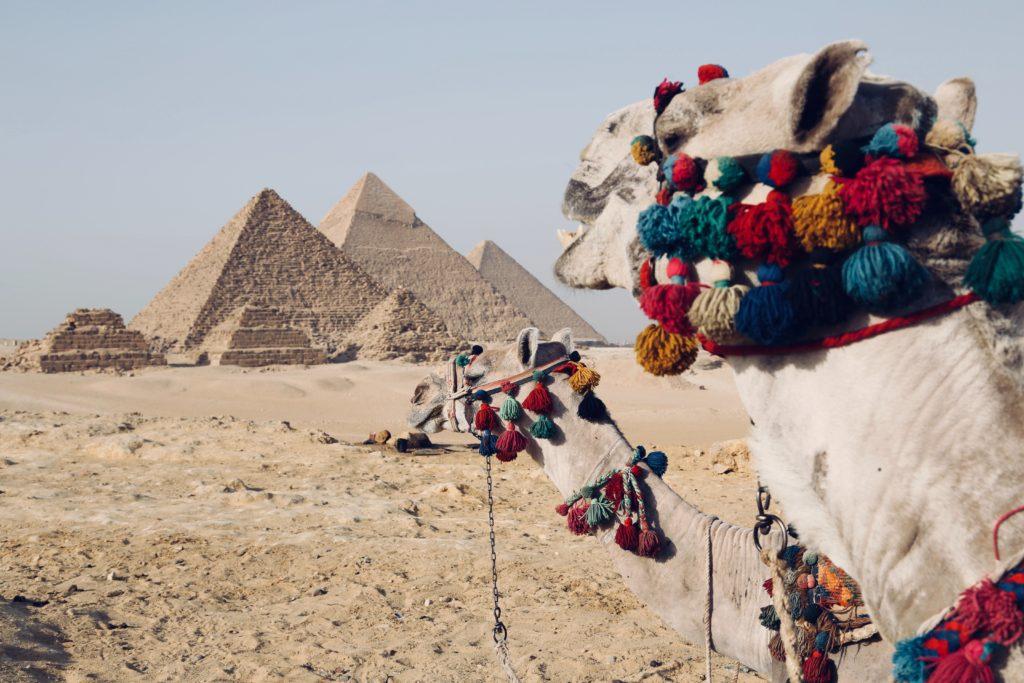 fynn schmidt IYKL2uhgsnU unsplash 1 1024x683 - Почему египетские пирамиды считаются чудом света?