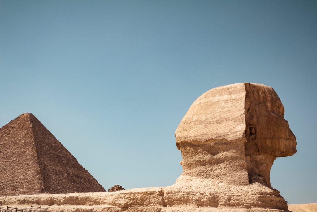 kevin langlais QtuCQC6k uE unsplash 1024x683 - Почему египетские пирамиды считаются чудом света?