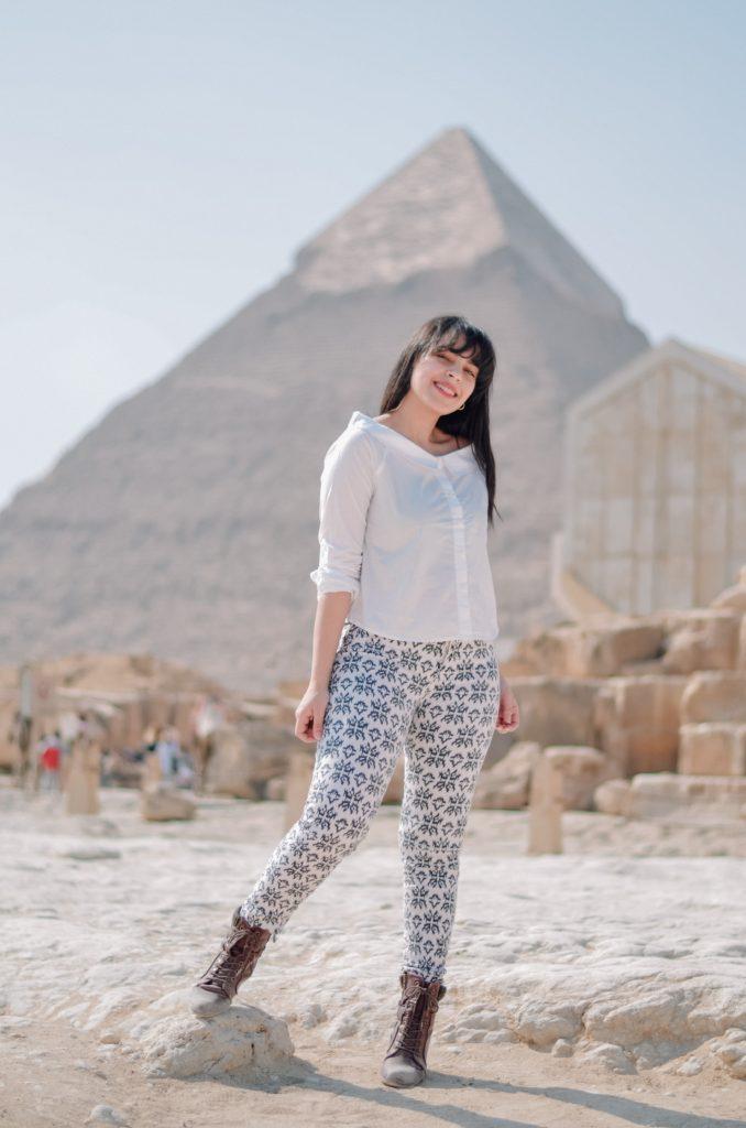 mohammed hassan ZTfHftuqQs8 unsplash 678x1024 - Почему египетские пирамиды считаются чудом света?