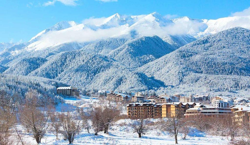 1689 Basnko v fevrale 03 1024x594 - Топ-3: идеи горнолыжного отдыха !