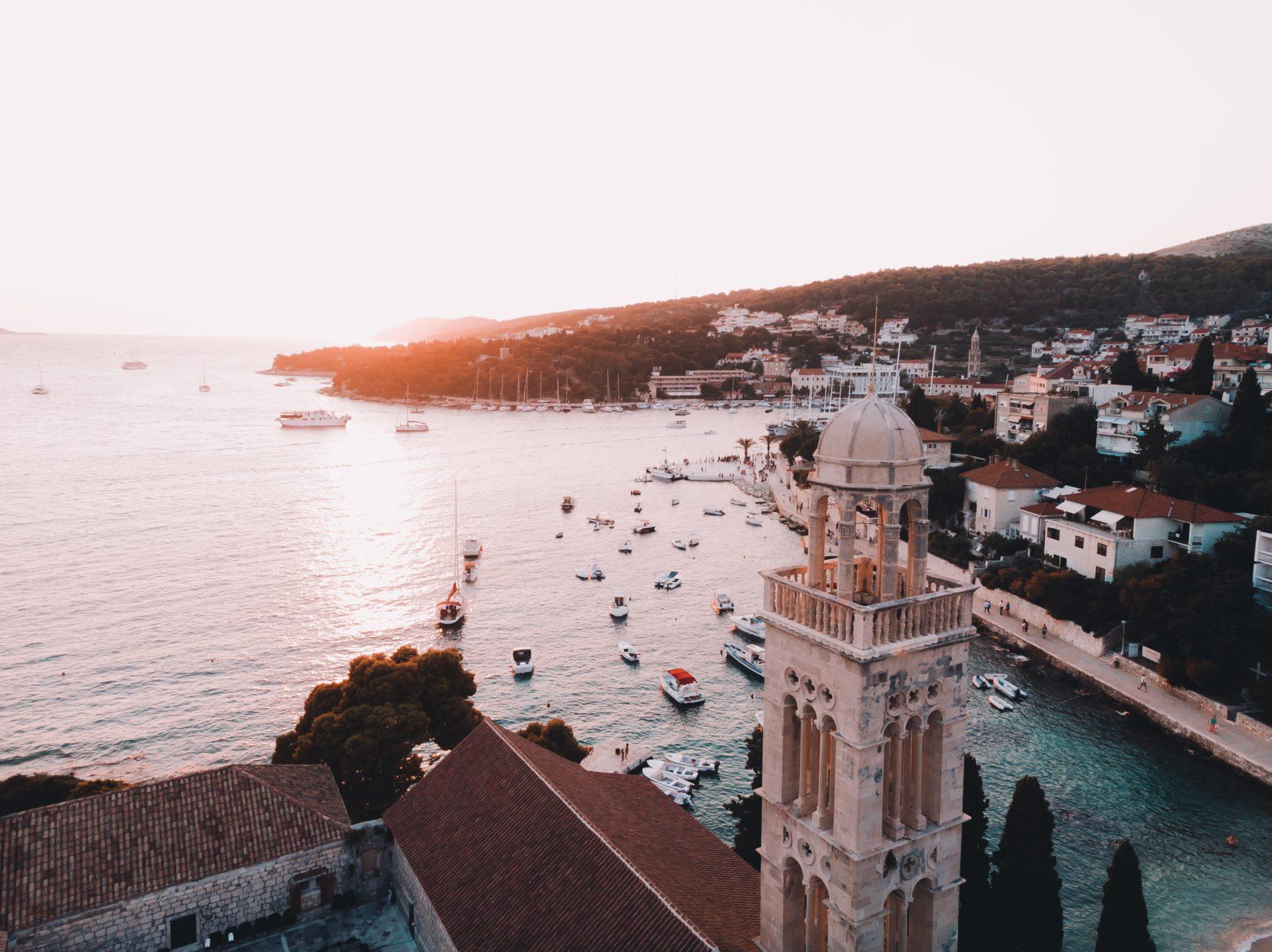 cody black Nm89MZvAR5I unsplash 1900x1423 - Станут ли туры в Хорватию дороже?