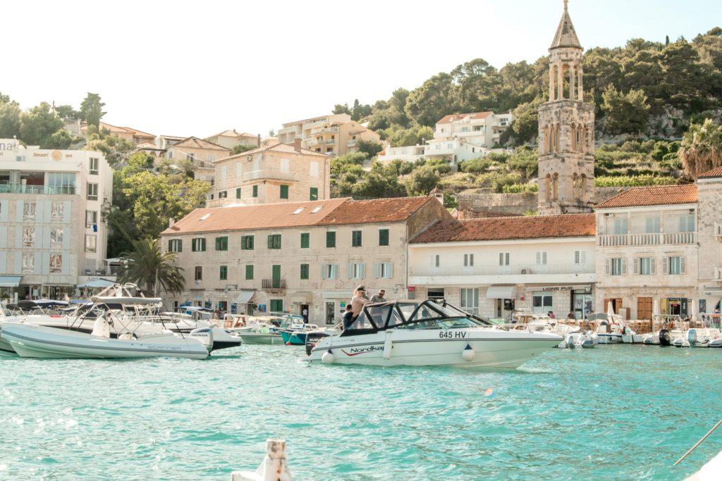 marcus lofvenberg 4OtdDwqrlIA unsplash 1024x683 - Станут ли туры в Хорватию дороже?