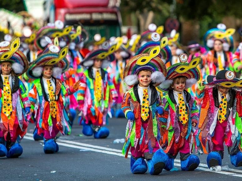 дневной карнавал Тенерифе