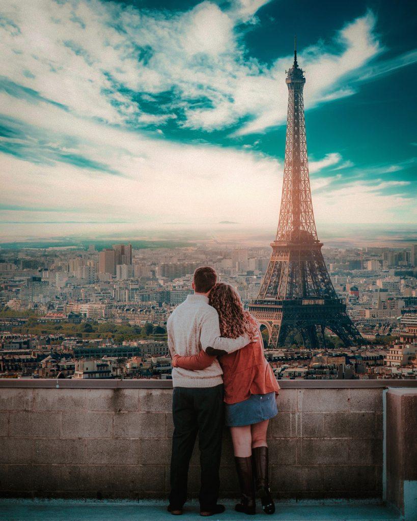 в париж 8 марта