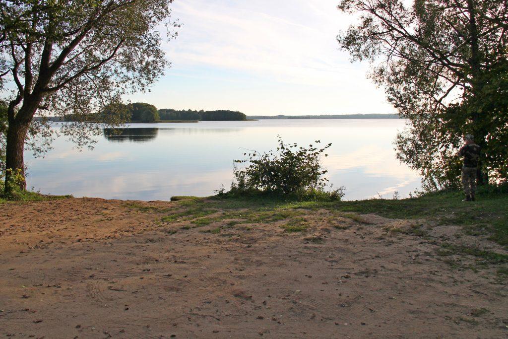 blizko k vode 1024x683 - Путешествия по Беларуси: озёра Мядельщины. Что посмотреть, где остановиться?