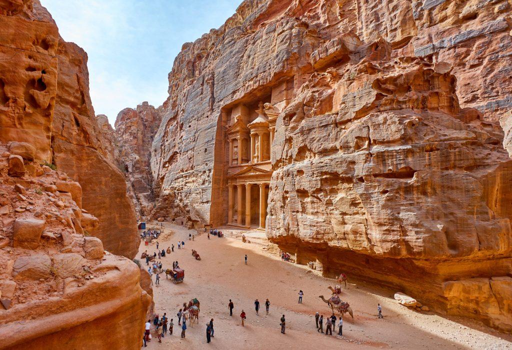shutterstock 506206813 min 1024x700 - Топ-5 причин, чтобы побывать в Иордании