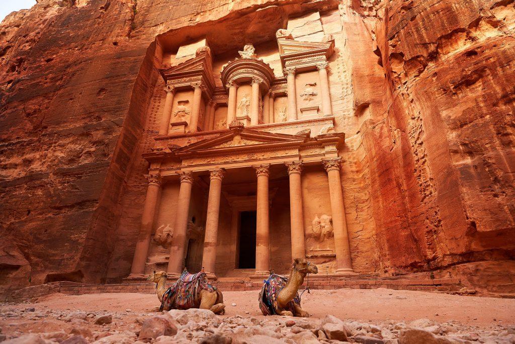 shutterstock 533330035 1 min 1024x684 - Топ-5 причин, чтобы побывать в Иордании